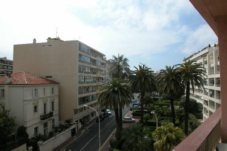 One bedroom Cannes Holiday Rental Apartment in Cote D`Azur, Private Parking