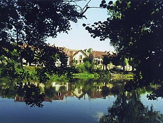 Burgundy Village House Rental overlooking River Yonne, Vincelottes, Near Auxerre