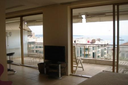 One Bed Cannes Holiday Rental Apartment on Cote D`Azur, France