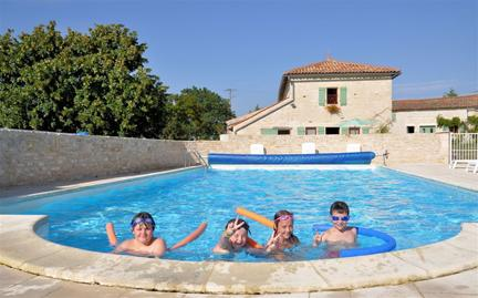 Holiday Gite with Large Floodlit Pool in Charente-Maritime, France ~ ANNEX