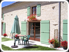 French Holiday Gite to Rent with Large Pool in Charente-Maritime, Potiou-Charentes ~ HOLLYHOCKS