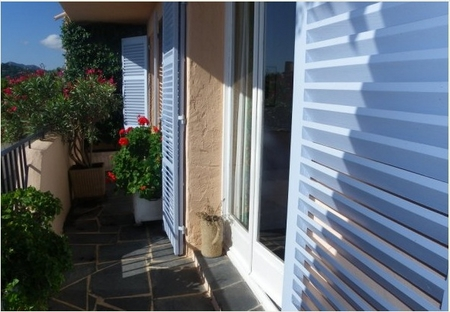 Theoule Self-Catering Holiday Apartment Rental in Alpes-Maritimes, Cote D`Azur, France ~ 2P1762