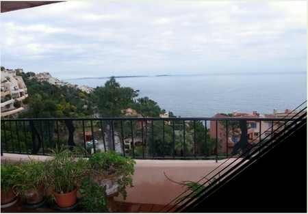 Self-Catering Theoule Holiday Rental Apartment in France, Cote D`Azur ~ 3P2530