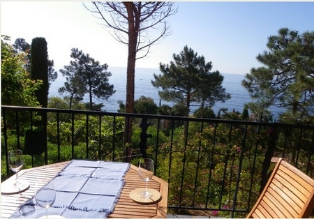 Alpes-Maritimes Holiday Apartment in Theoule, France ~ 3P2227