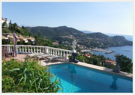 Provencal Villa on the heights of Le Trayas in Theoule, France ~ Villa Anneau d`Or