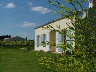 Mortagne Sur Gironde Holiday Cottage with Heated Pool in Charente-Maritime, France