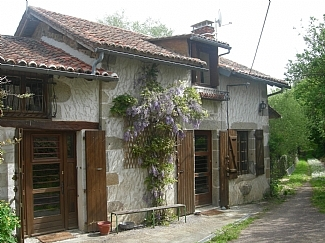 Beautiful Cottage with Fishing Lake near Nontron, Dordogne, France