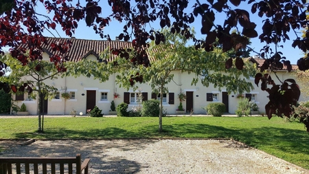 Charming Dordogne Holiday Cottage to rent in Thiviers, Dordogne, France ~ La Jacinthe