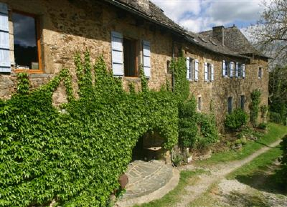 Self Catering Manor House with Pool, Lot Valley, near Entraygues, Aveyron