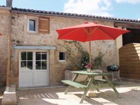 Holiday Rental Home with heated pool in St Simon De Pellouaille, Charente-Maritime, France ~ Wood