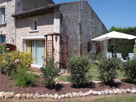 Holiday Rental Home with heated pool in St Simon De Pellouaille, Charente-Maritime, France ~ METAL