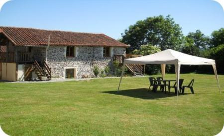 Chirac Holiday Rental Cottage with Pool in Charente, South West France ~ Confolens Cottage