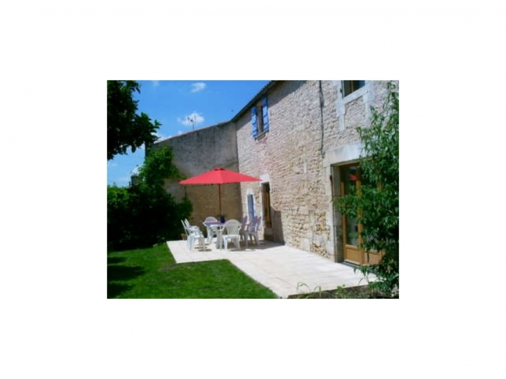 Luzac Holiday Rental Home with Private Pool in Charente-Maritime, France ~ WIFI Internet