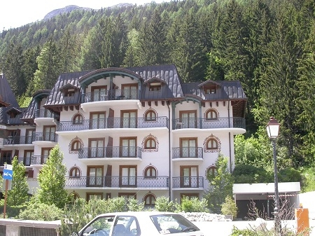 Argentiere Holiday Rental Apartment in Village Centre, near Chamonix, Haute-Savoie, France