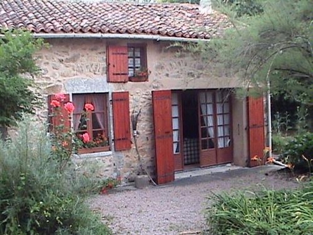 Marval Holiday Farmhouse with Pool to Rent in Haute-Vienne, Limousin, France