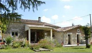 Traditional Charantaise Holiday Barn in Mortagne sur Gironde, Charente-Maritime, France