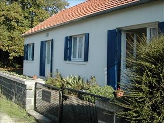 Combourg Holiday House Rental in Brittany, Ille-et-Vilaine, France