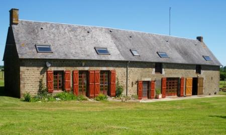 French Holiday Farmhouse to rent in Desertines, Loire Valley, Northern France