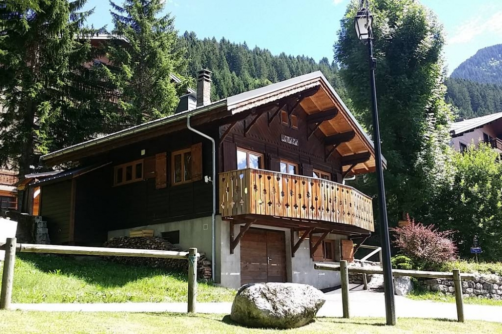 Holiday Chalet Rental  in Chatel, Haute-Savoie - CHALET NID ZUT