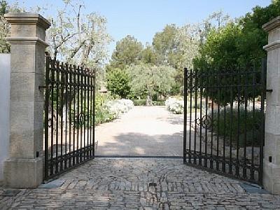 Le Castellet Holiday Villa Rental with Pool in Var, Provence, France