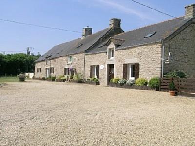 Radenac Holiday Rental Cottage in Brittany, France