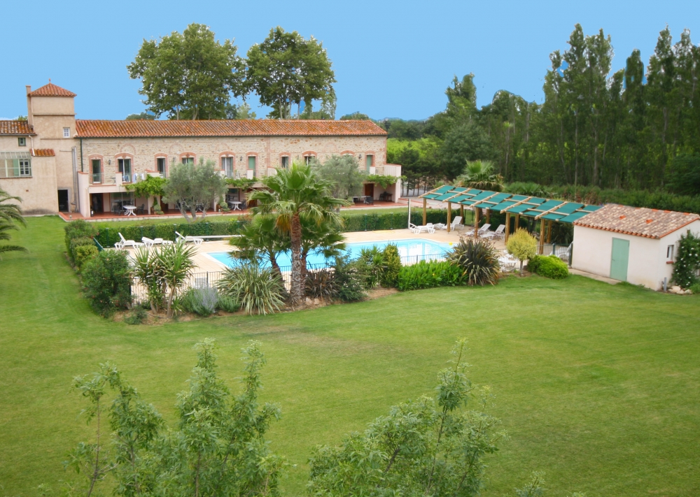 Thuir Holiday House with heated Pool in Pyrenees-Orientales, France