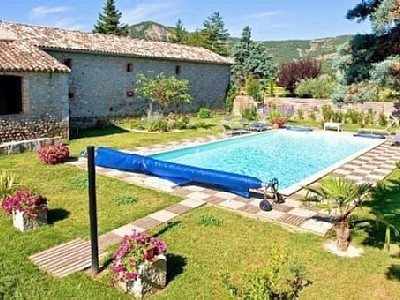 Holiday Villa rental in Vallon Pont d`Arc, Rhone-Alpes, France ~ 2 bedroom Villa