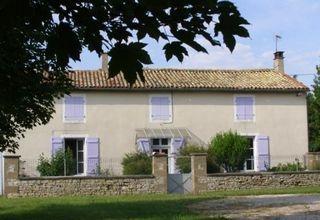 Holiday Home to Rent, Brioux sur Boutonne, Deux Sevres, France