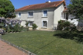 Holiday House for Rent in Charente Maritime, St Jean d`Angely