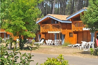 Private Holiday Villa Rentals in Aquitaine, Bias, near Biarritz ~ Aquitaine Villas with Pools