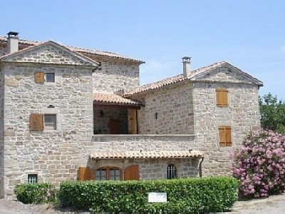 Holiday rental Cottage in Les Salelles, Rhone-Alpes, France ~ 3 Bedroom Cottage