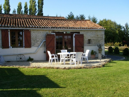 Charming Holiday Rental Cottage in rural St Valerien , Vendee, France