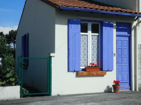 Meschers Holiday Rental Home, near Royan, Charente-Maritime ~ Comfortable One bedroom House