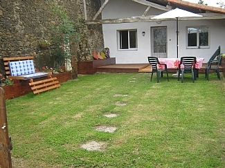 Charming 2 Bedroom Vendee House rental in Montournais, France