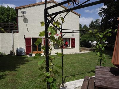 One Bedroom Apartment Rental in Charente~ Les Pres de la Brousse Apt ONE