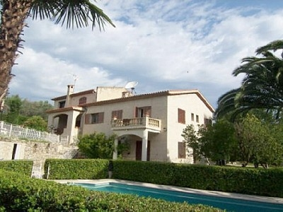 A/C apartment in villa with swimming pool - Cote D'Azur, France - 3 bedrooms, 2 bathrooms