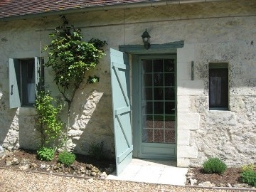 Tourterelles - Pretty Cottage - La Folie in Betz-le-Chateau, France ~  La Folie Holiday Cottage
