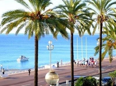 Studio apartment facing Beach in Nice, Cote-d`Azur, France / Promenade des Anglais