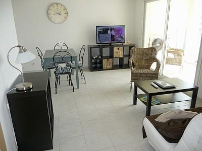 Apartment Rental in Cagnes-sur-Mer, Cote-d`Azur, France / One Bedroom Apartment