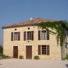 7 Bedroom Midi-Pyrenees Farmhouse Rental in Aurignac, France