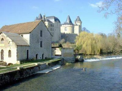 Verteuil-sur-Charente Bed and Breakfast Accommodation in Poitou-Charentes, near Ruffec, France