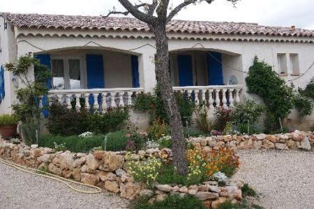 Self Catering Provence Villa rental with Pool in Regusse, Cote-d`Azur