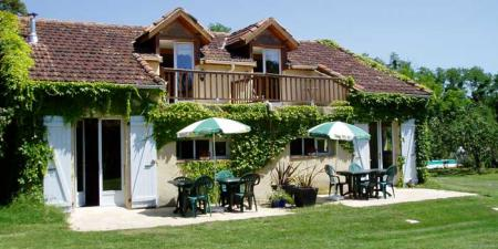 French Holiday Gite with Private Salt pool in Gers, Midi-Pyrenees / La Mouette Sleeps 4-6