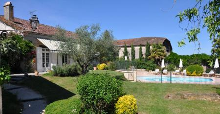 Lot-et-Garonne Holiday Farmhouse rental with Private Pool in Marmande, Aquitaine