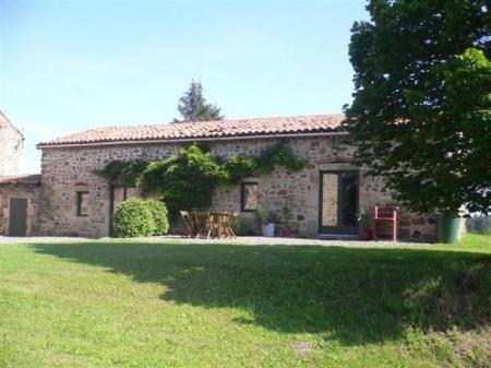 Puy-de-Dome Holiday Gite Rentals with Private Pool in Auvergne, Sauxillanges / Gite Two Sleeps 5