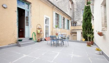 Beaucaire Holiday Rental Home in Languedoc-Roussillon, near Arles, France
