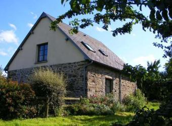 Le Pressoir a 2 bedroomed detached cottage overlooking an apple orchard
