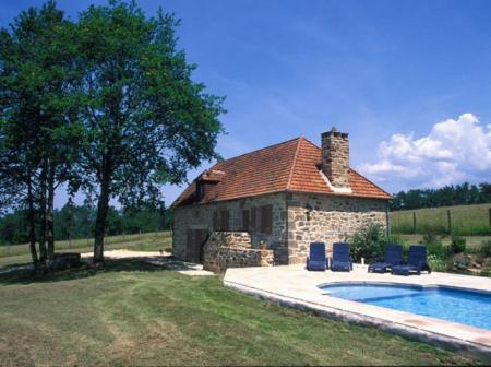 Limousin Cottage rental with Heated Pool in Correze, near Meyssac, France / Les Fardines