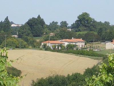 Cottage rental, MOINEAU with Pool near Mirambeau, Charente Maritime, France