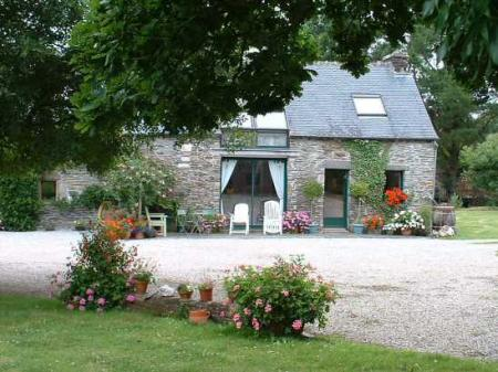 Traditional Longere Holiday Home in Central Brittany, France / FREE WIFI